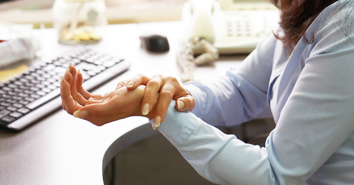 How to Reduce Hand and Wrist Pain at Work